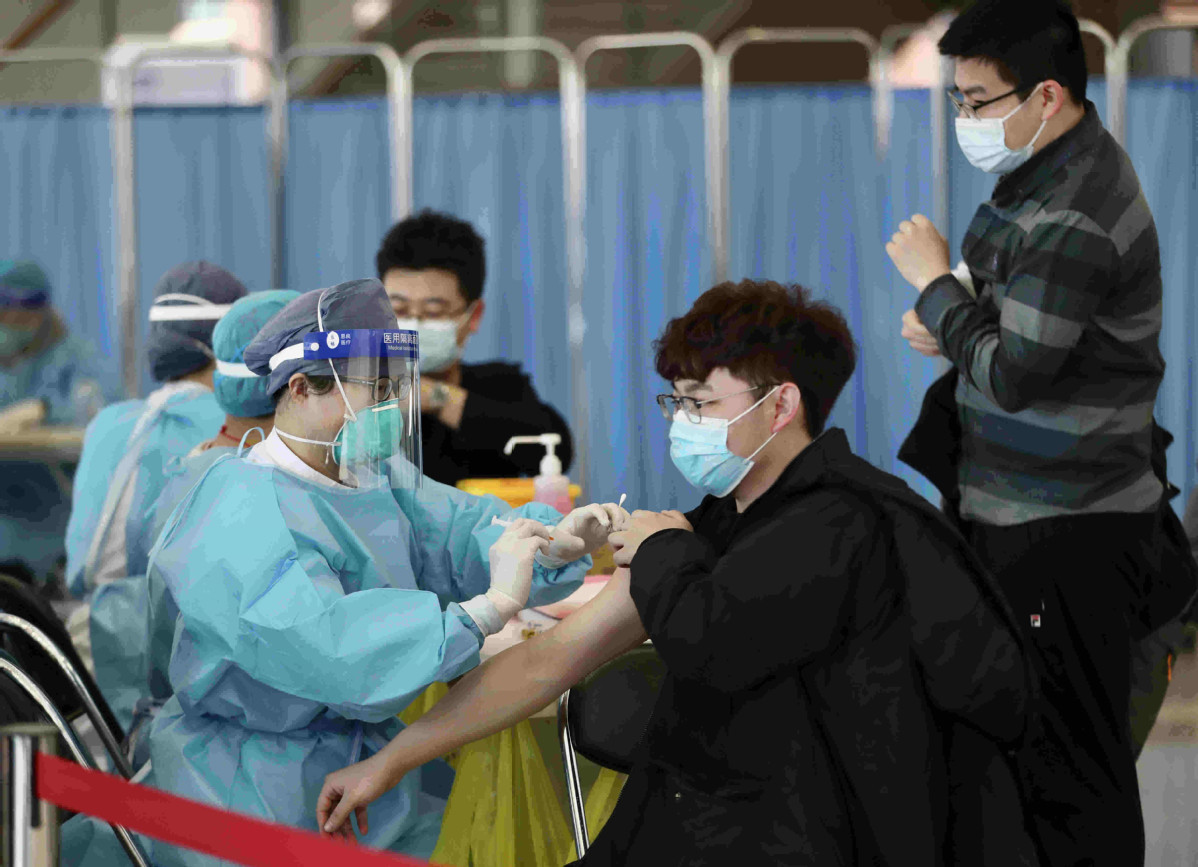 Chinese universities begin COVID-19 vaccine rollout
