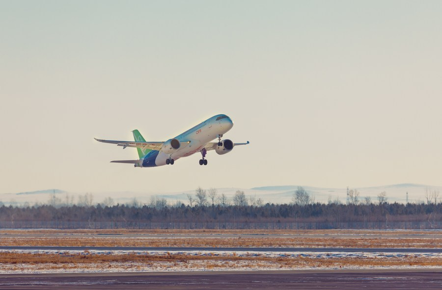 C919 gets first global contract