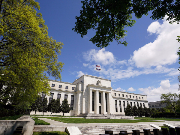 Market indicates loss of faith in the Fed