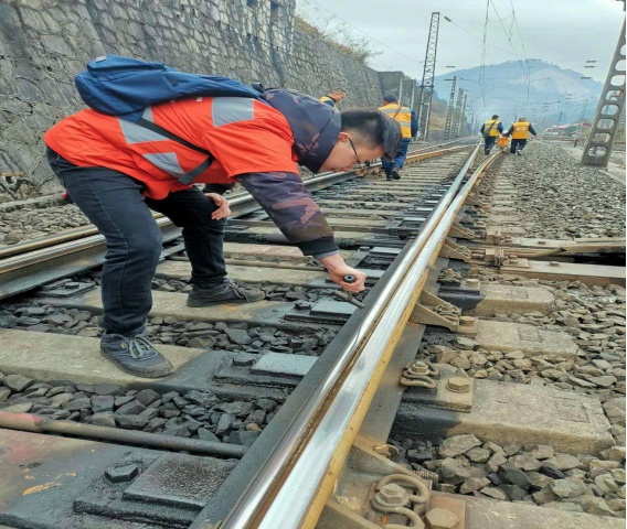 For rail inspectors, tiny flaws are big trouble