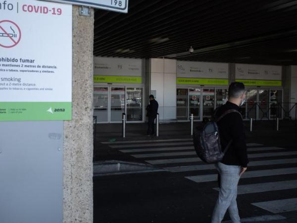 Spain extends border controls to stop spread of coronavirus variants