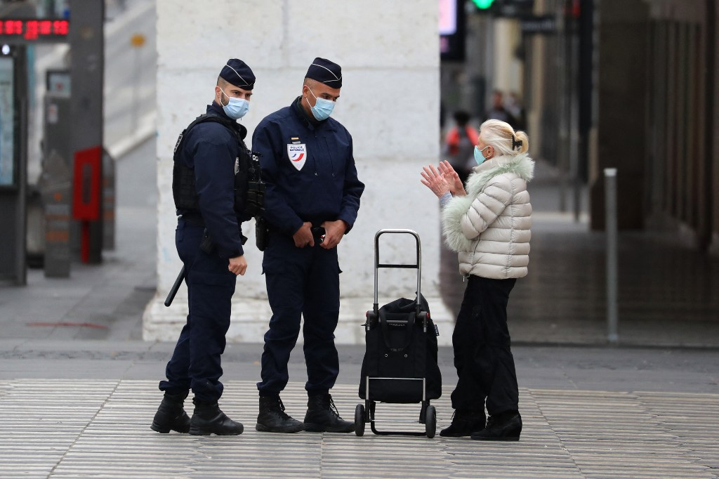 COVID-19 infections rise again in France as gov't mulls easing rules from mid-April