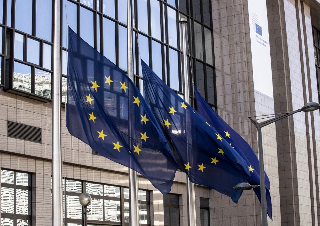 European Commission warns against premature withdrawal of fiscal support