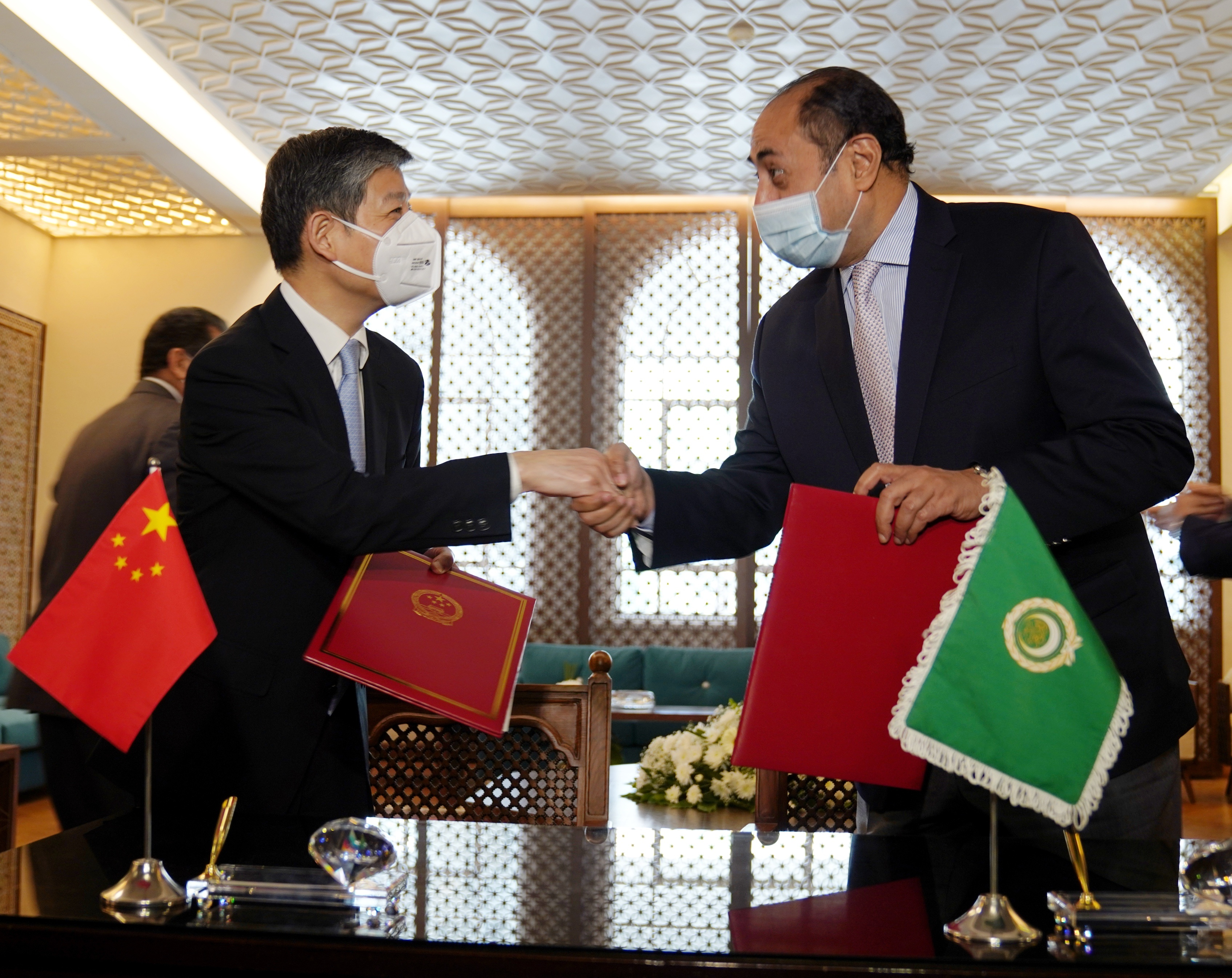 China provides COVID-19 vaccines to Arab countries