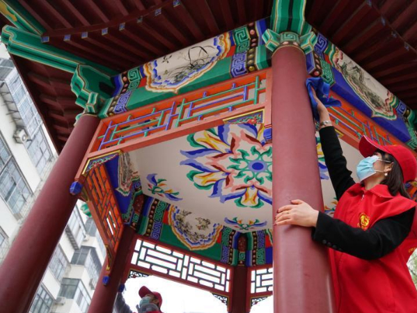 Volunteers carry out variety of activities on 'Lei Feng Day' across China