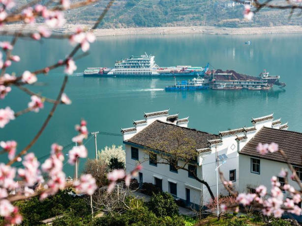 Spring scenery at Three Gorges in Central China