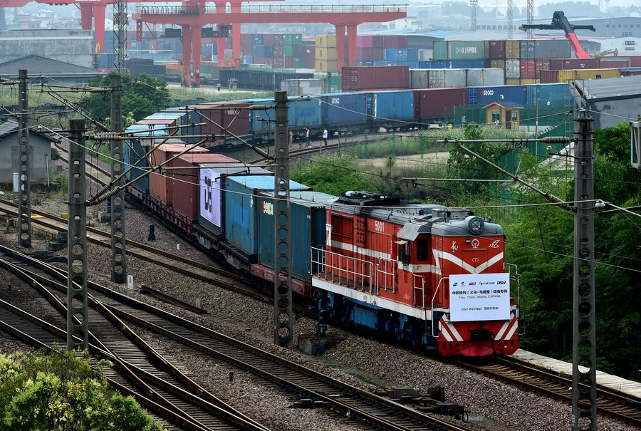 China's rail freight volume up 4.1 pct in 2020