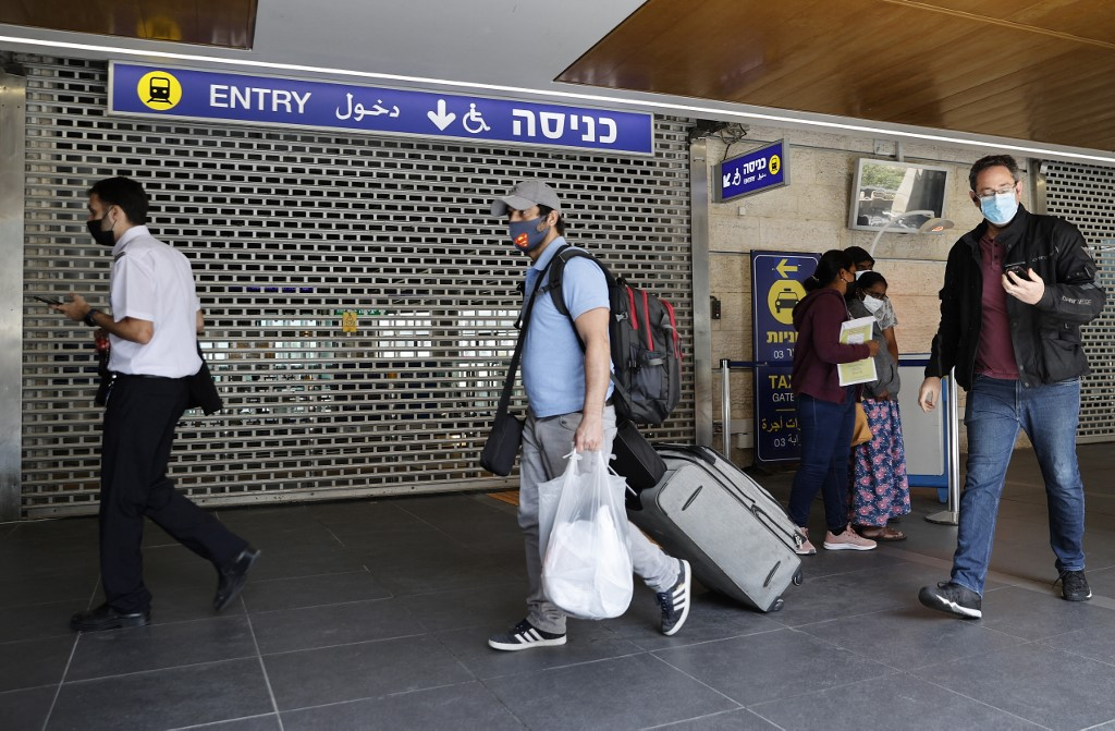 Israel lifts ban on entry of foreign nationals
