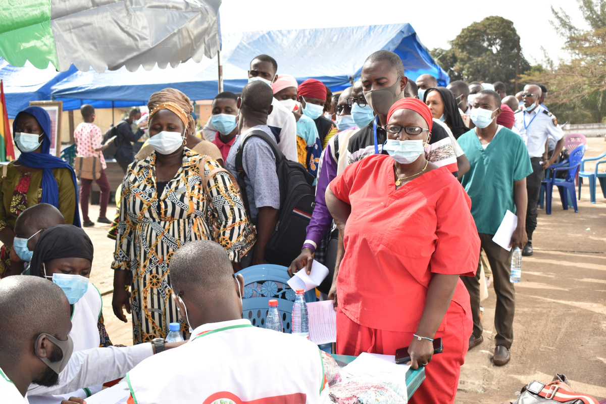 Guinea launches vaccination campaign with Chinese vaccines