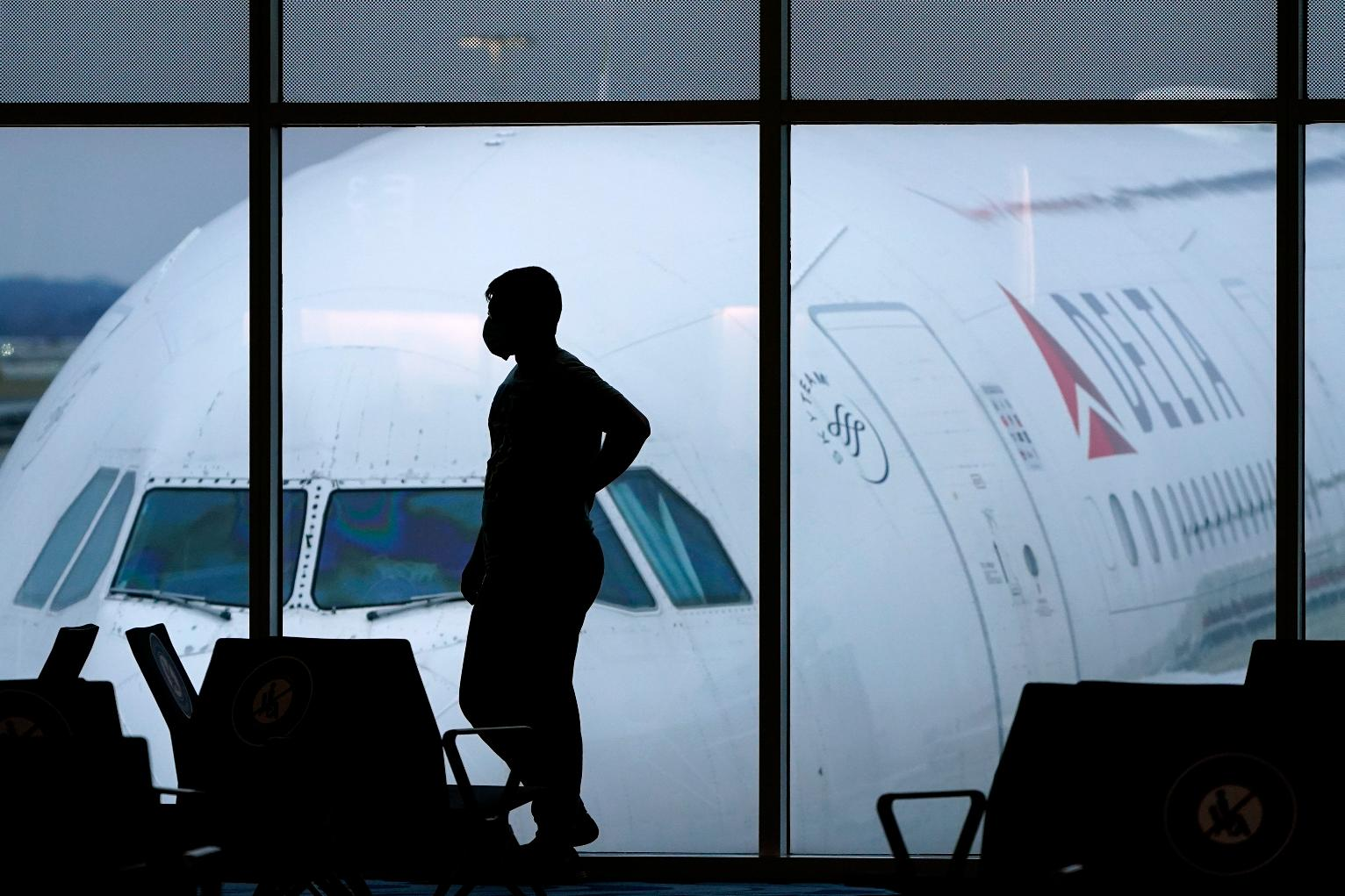 Airline industry pushes US to standardize health papers
