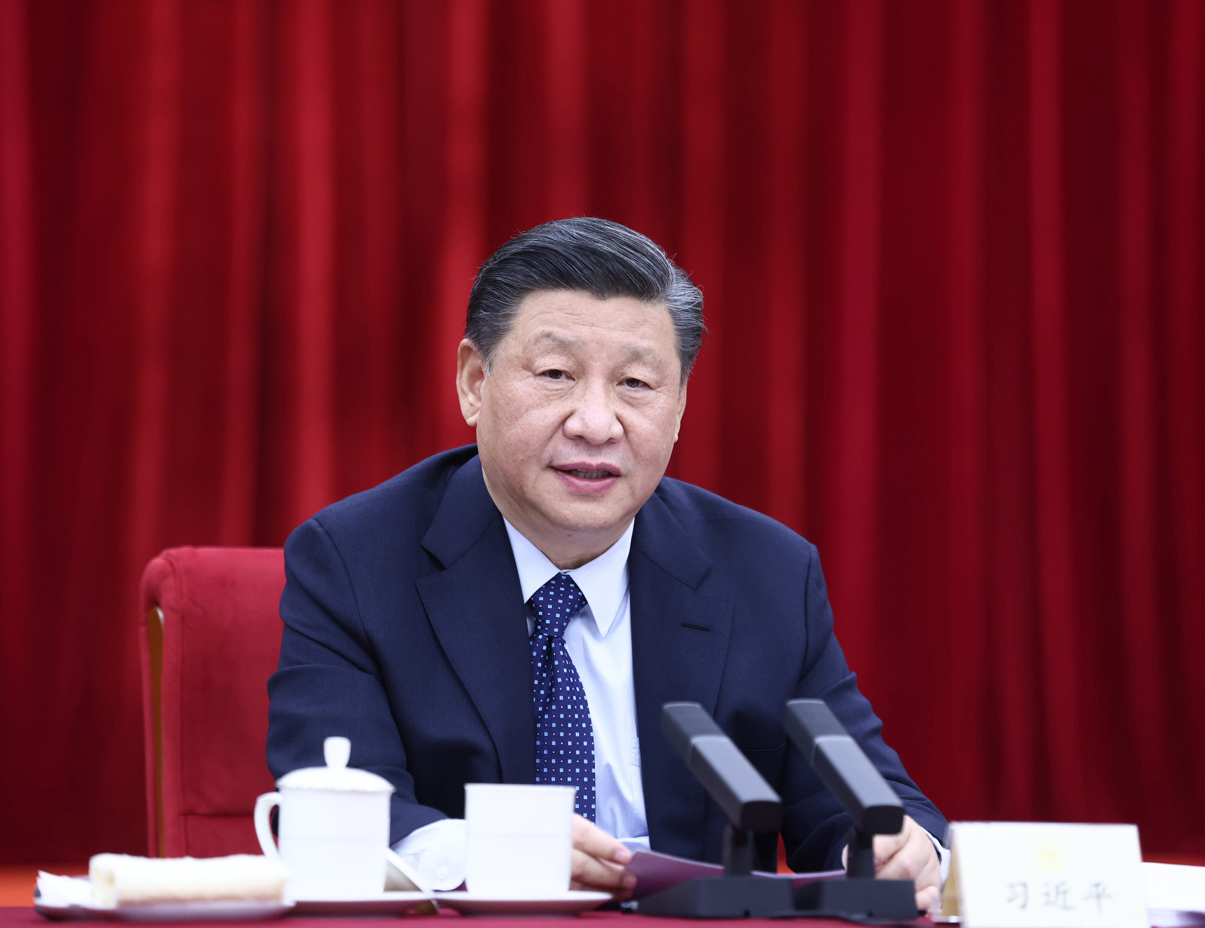 Xi calls for joint efforts to tackle educational problems
