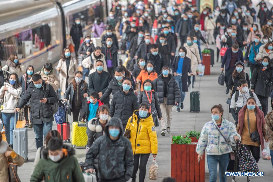 China sees growth in railway trips during Spring Festival travel rush