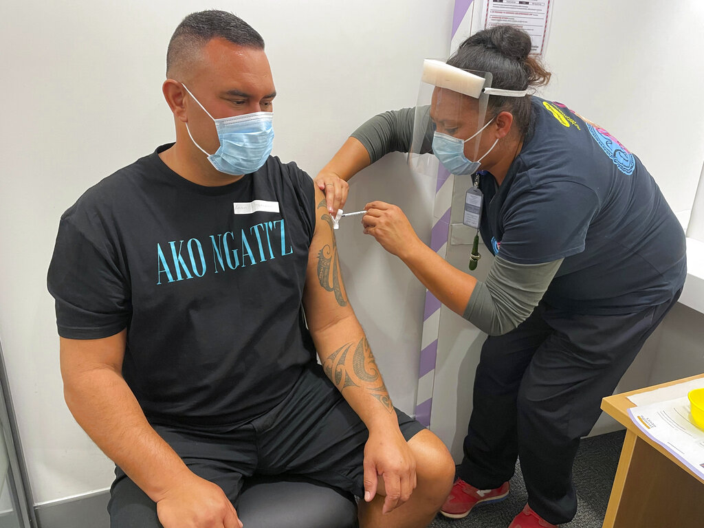 New Zealand opens 1st big vaccination clinic
