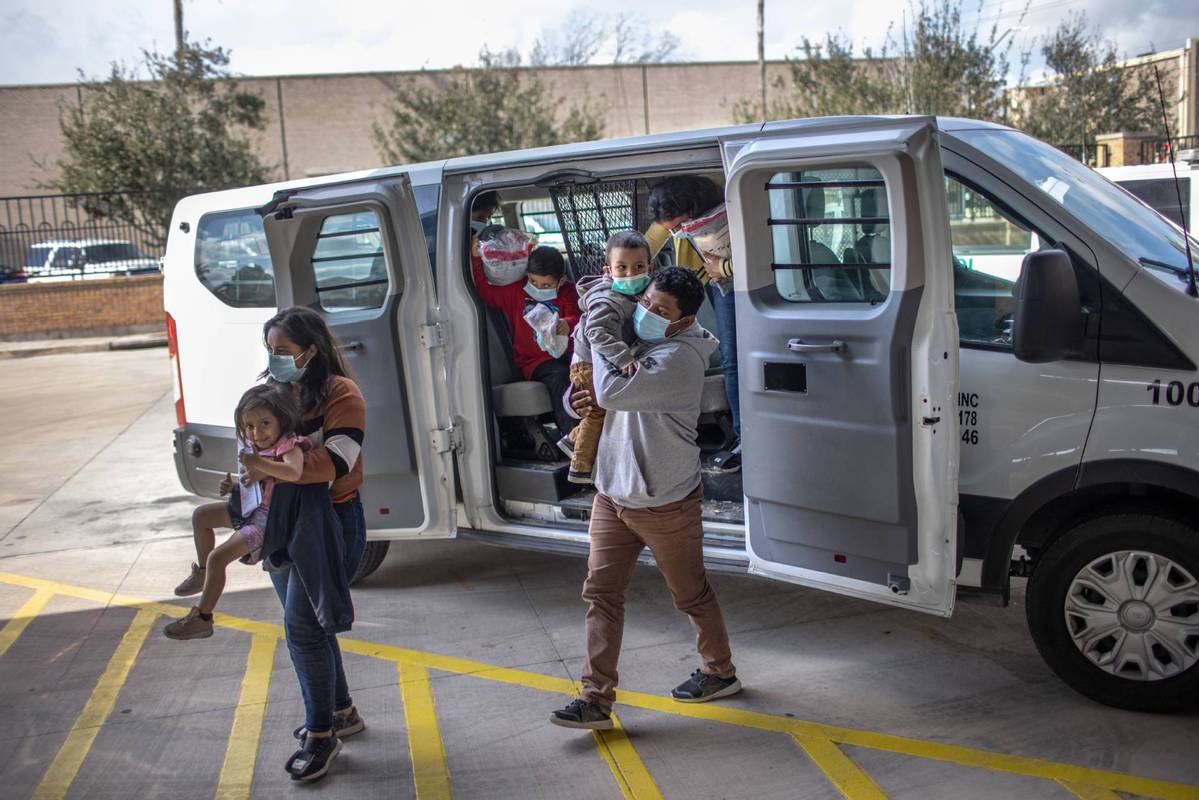 US encountered more than 100,000 migrants at US-Mexico border in Feb