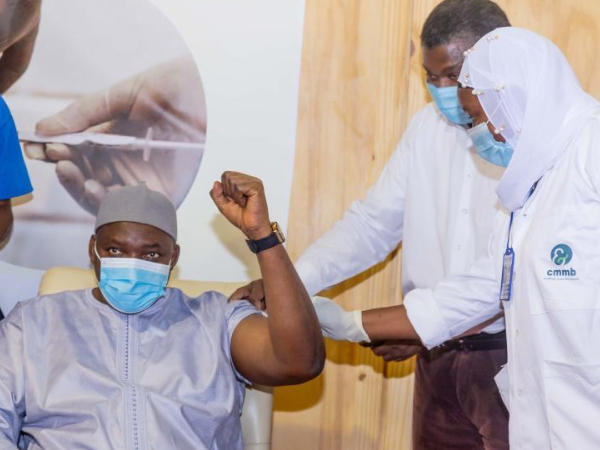 Gambian president, VP and several cabinet ministers receive COVID-19 vaccine