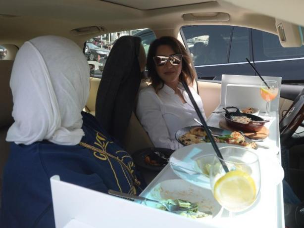Restaurants in Kuwait start to provide car-in service