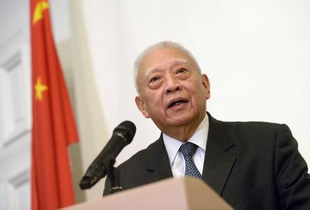Tung: Electoral reform doesn't target political camps, parties