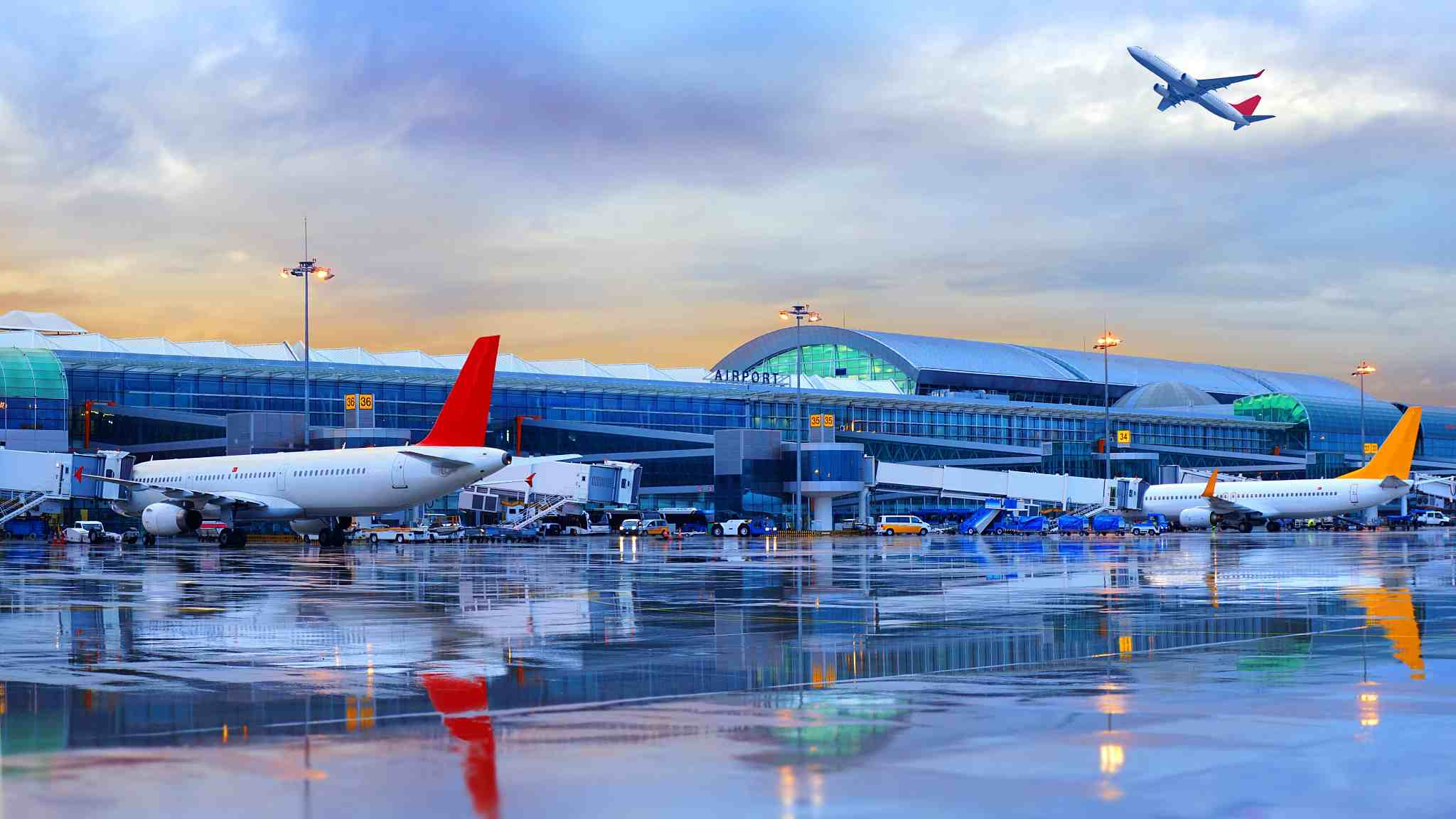 China's civil-aviation industry continues to recover: report
