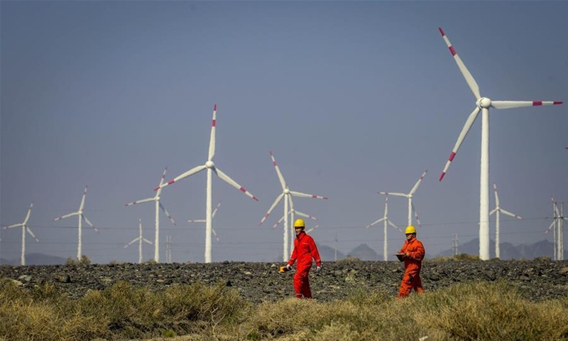 Xinjiang sets record high wind, solar power generation, aims to be clean energy base in China