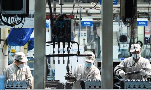 China's high-tech and equipment manufacturing up by 50% in Jan-Feb year-on-year