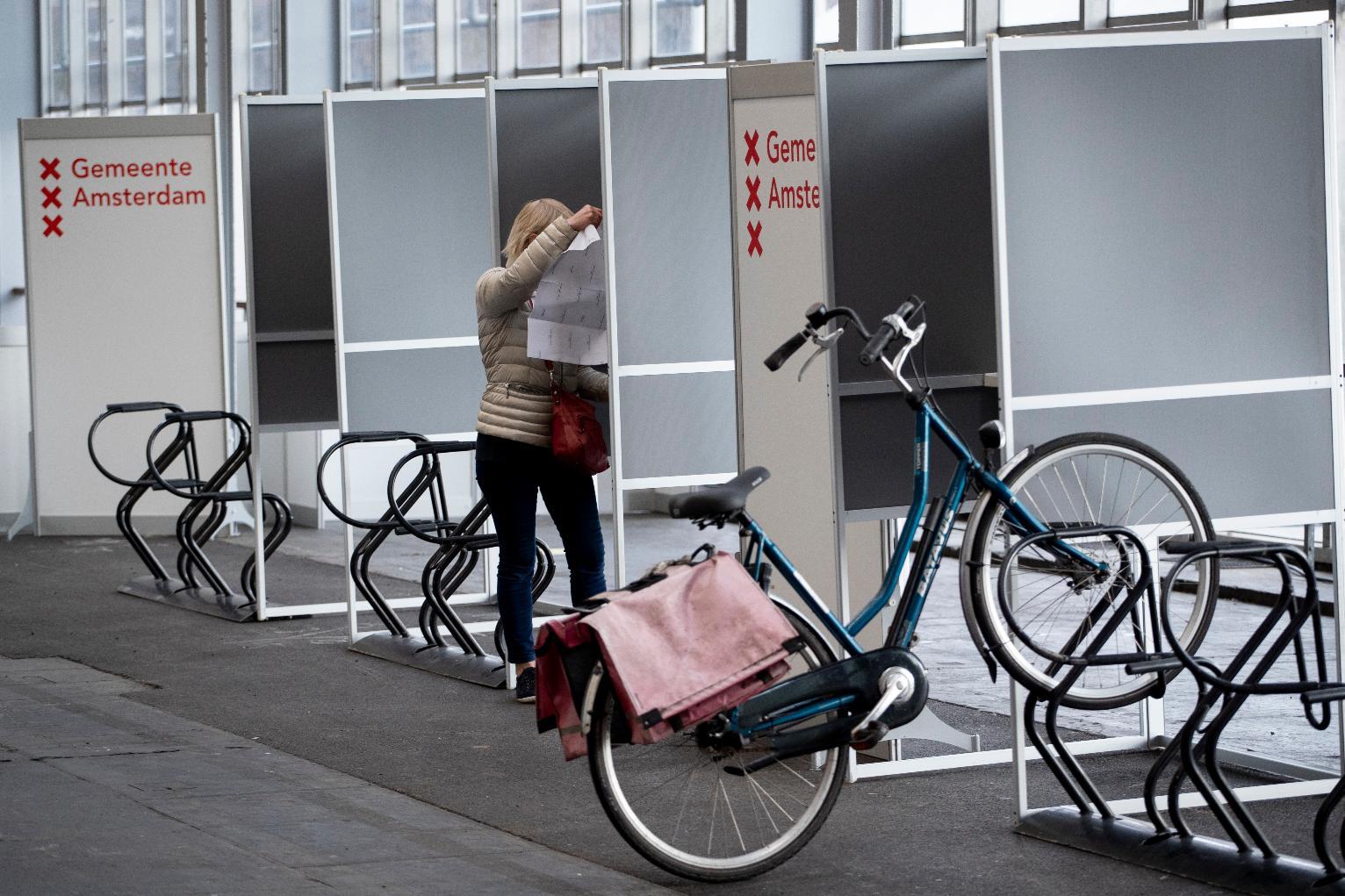 Voting starts in coronavirus-affected Dutch election