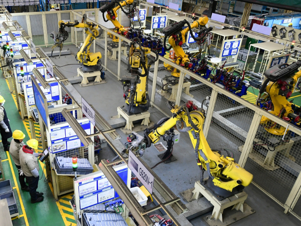 China's advanced manufacturing expands by about 50% in Jan-Feb period