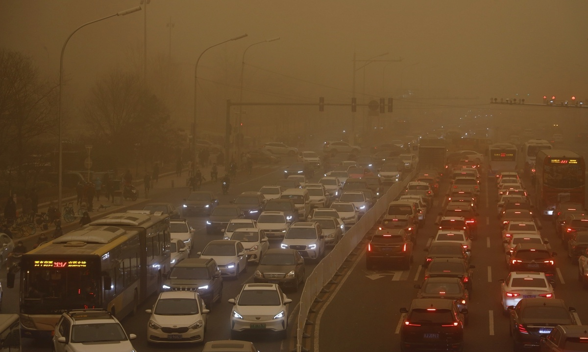Largest sandstorm in decade engulfs Northern China