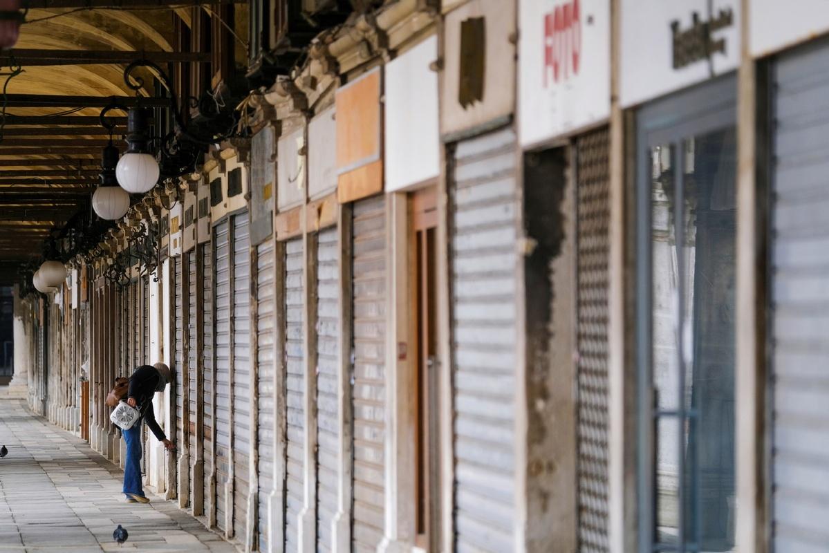 Half of Italy under semi-lockdown