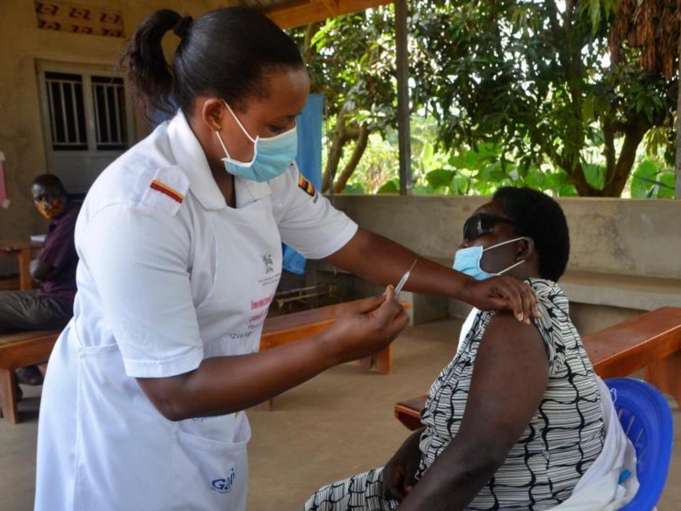 Uganda starts COVID-19 vaccination
