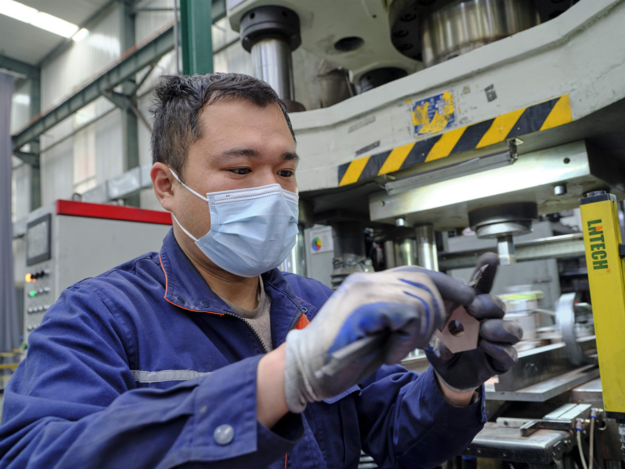 China-made brake pads contribute to technology innovation of high-speed trains