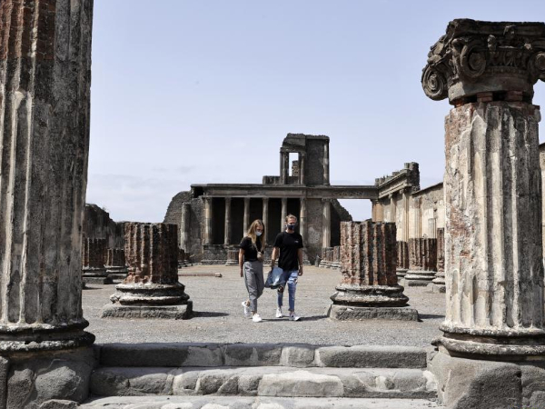 People visit reopened Archaeological Park in Italy