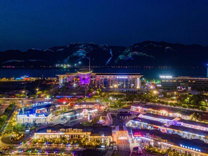 Wenzhou in east China's Zhejiang develops night economy