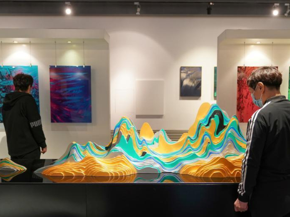 Winter Olympics Ice & Snow Art Exhibition Harbin attracts visitors