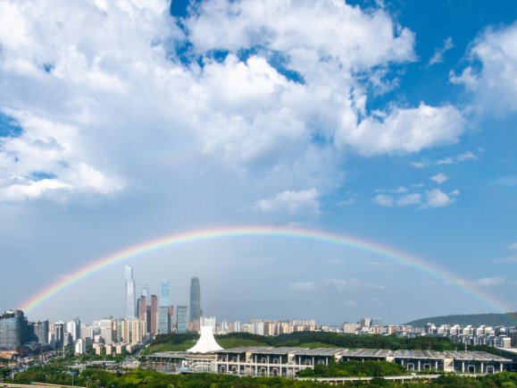 Rainbow appears in South China's Nanning after rain