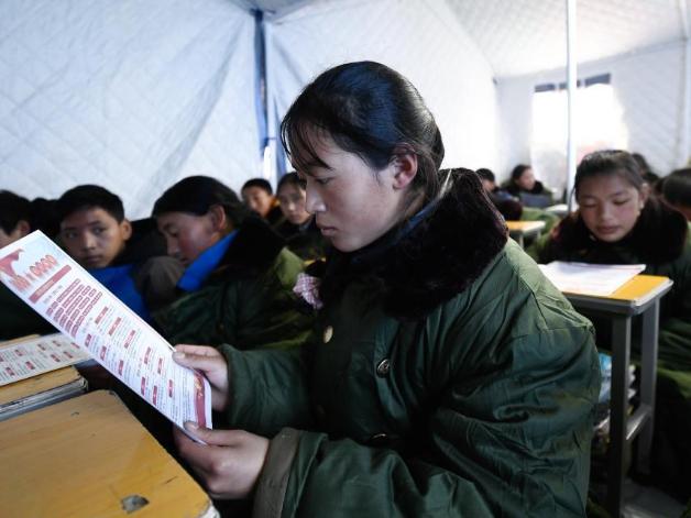 Quake-hit areas in China resume school