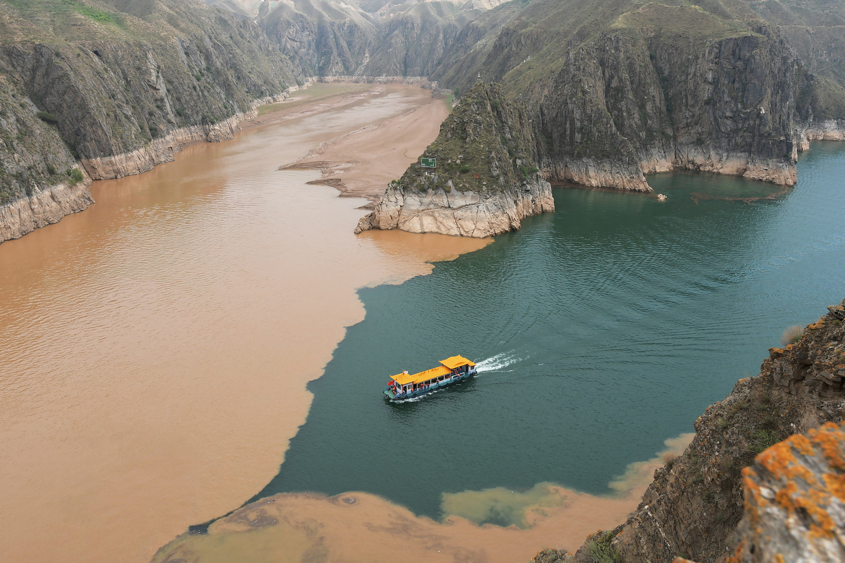An aerial view of Liujiaxia Reservoir in Northwest China's Gansu Province