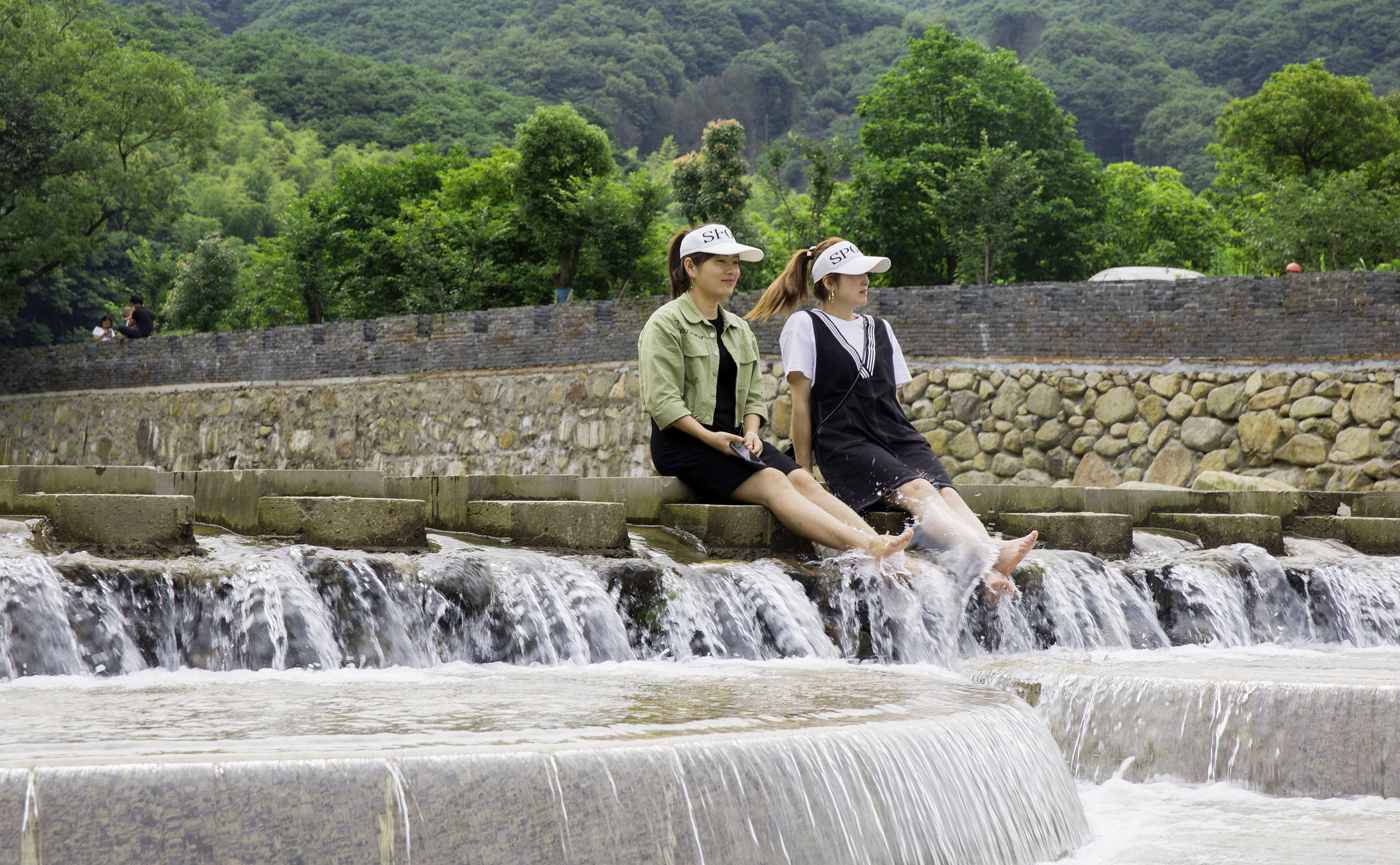 Environmental protection boosts rural tourism in Ningbo