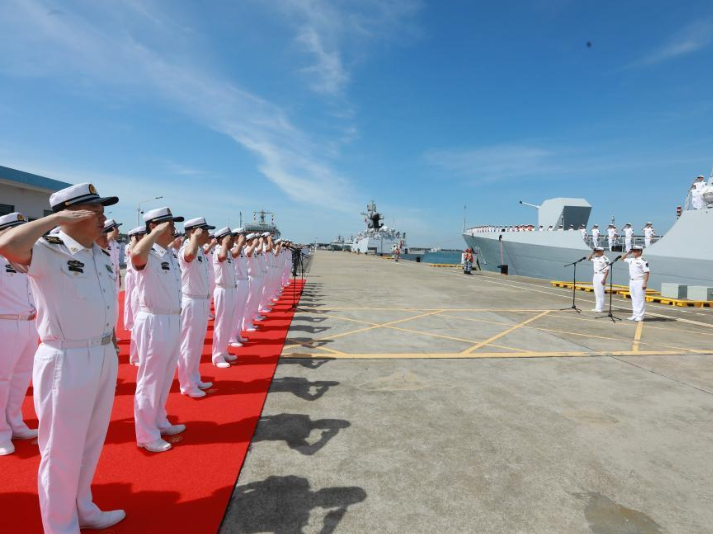 Chinese navy fleet returns from escort missions