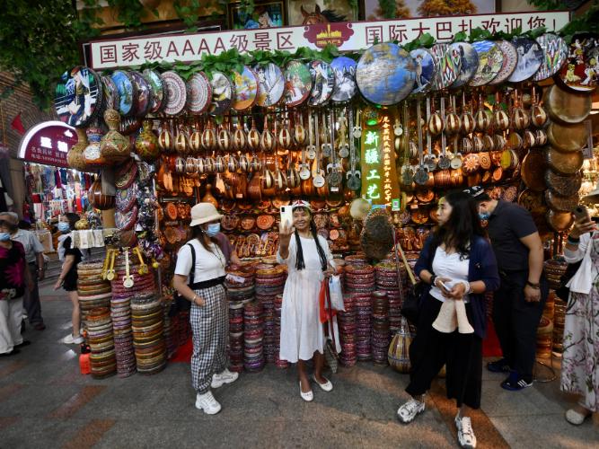 Urumqi's grand bazaar: unique blend of styles, stalls