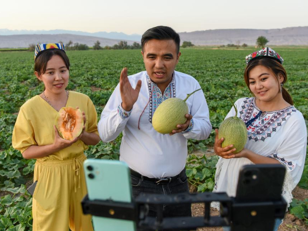 China's Xinjiang witnesses brisk growth in economy and social affairs