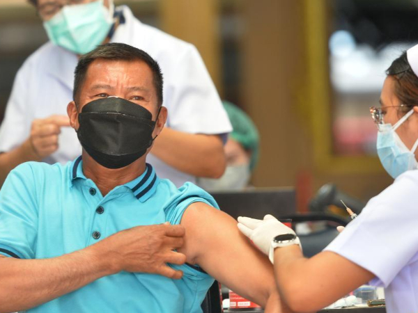 Thailand bans public gatherings nationwide as COVID-19 daily tally, deaths hit new highs