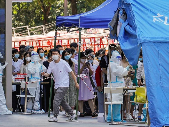 Chinese mainland reports 49 new confirmed COVID-19 cases, 24 locally transmitted and 25 imported