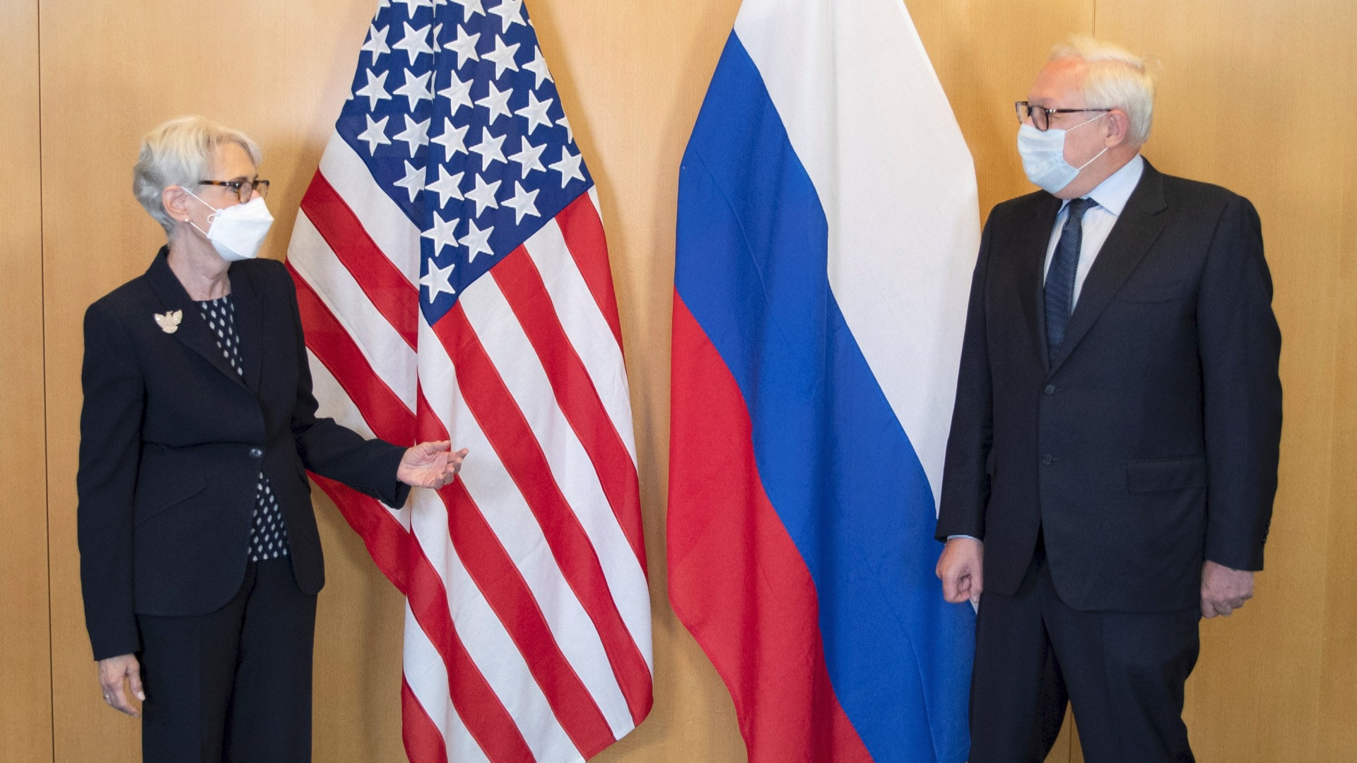 Nuclear talks overshadowed by war of words between Washington and Moscow