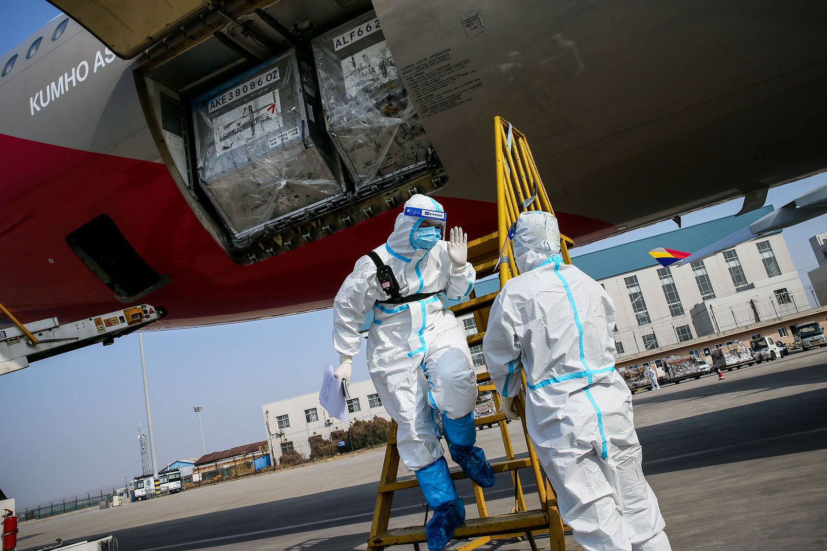 China vows to prevent coronavirus transmission through entry, exit channels