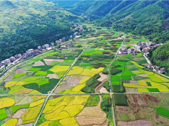 Picturesque pastoral scenery in Xintian, Hunan, Central China