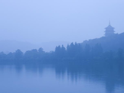 West Lake turned to ink wash painting in rainy days