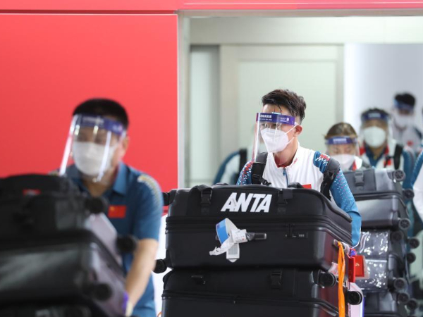Chinese Paralympic delegation arrives in Tokyo