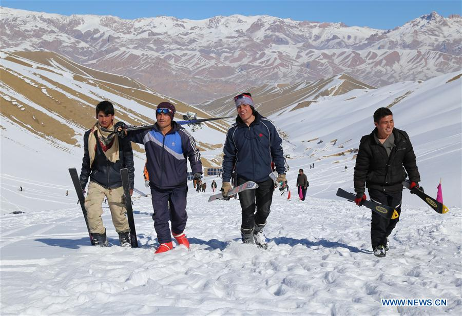 People prepare for ski competition in Bamyan, Afghanistan