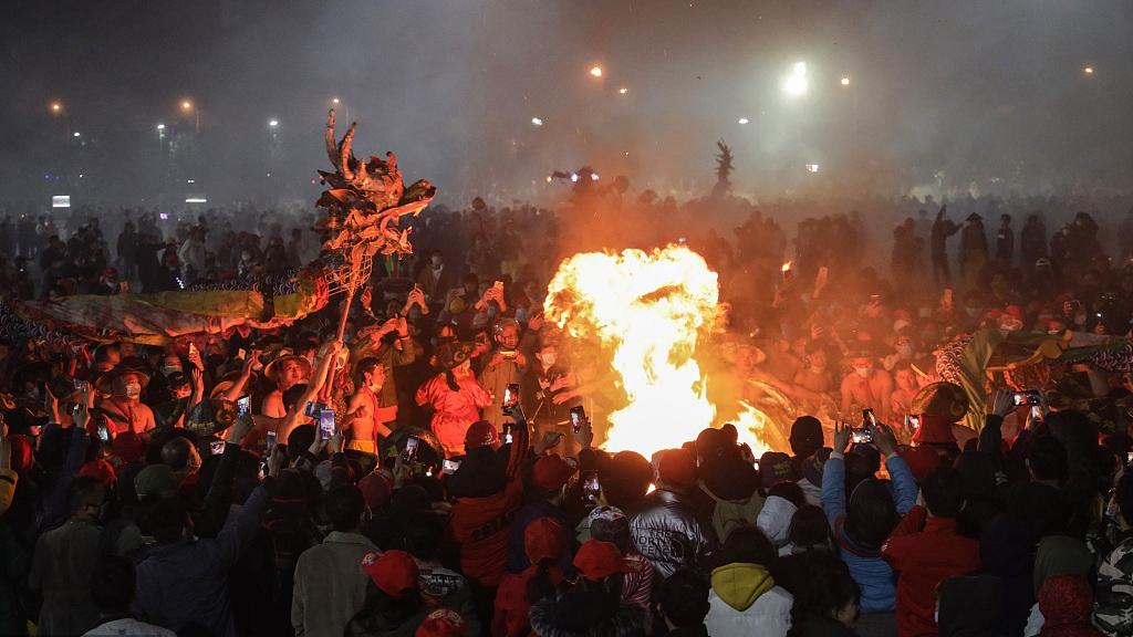 Firecracker Dragon Festival celebrated in SW China