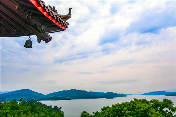Ride the rails to Liyang